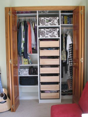 Child's bedroom closet
