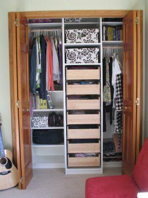 Child's bedroom closet